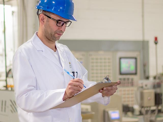 Kiểm soát chất lượng và hệ thống truy xuất nguồn gốc
